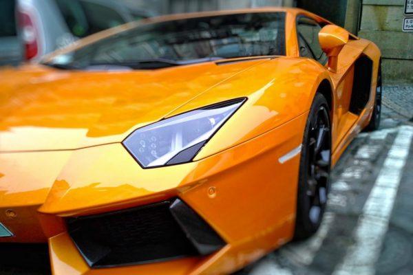 Derfor bør du foliere bilen din Derfor bør du foliere bilen din lambo e1454692923803 600x400