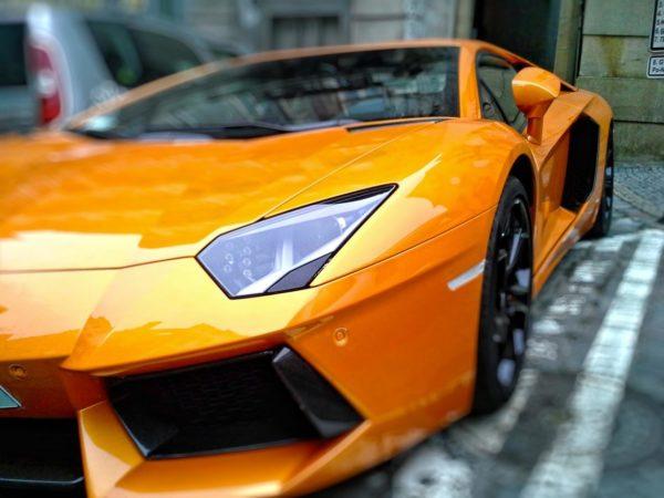 Derfor bør du foliere bilen din Derfor bør du foliere bilen din lambo e1454692923803 600x450